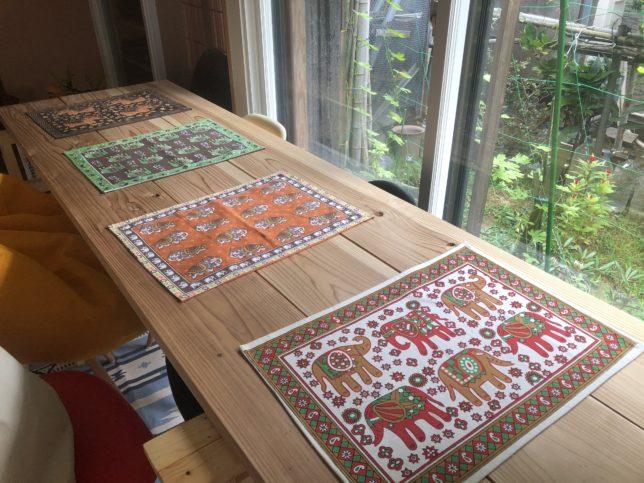 インド綿のテーブルクロス